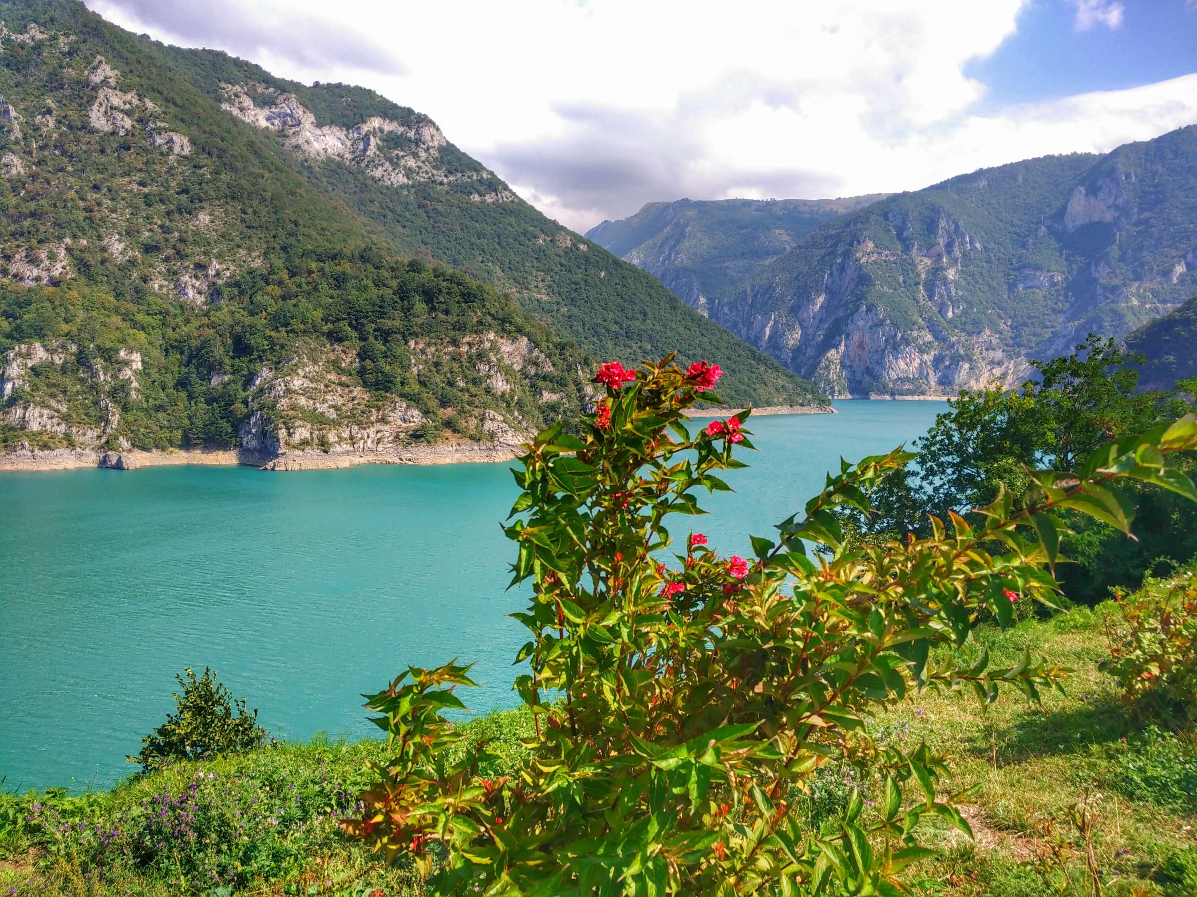 Каньон Пивского озера